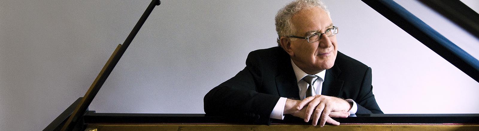 Robert Silverman, piano